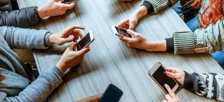 Συλλογική αγωγή ενάντια καταχρηστικών όρων σε συμβάσεις κινητής τηλεφωνίας